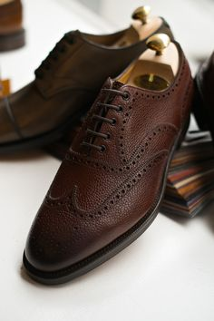 Our Edward Green trunk show is today from 11 to It's the perfect way to escape the rain for an hour. Drop by anytime, no appointment necessary. Mens Shoes Boots, Sock Shoes, Men's Shoes, Shoe Boots, Dress Shoes, Preppy Men, Wingtip Shoes, Mens Attire, Elegant Man