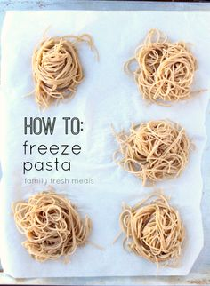 Do you know How To Freeze Pasta Portions ? When you need a quick meal, just grab a pasta ball run under water or throw into a hot sauce! Freezer Cooking, Cooking Tips, Cooking Recipes, Healthy Recipes, Easy Cooking, Freezing Cooked Pasta, Fresco, Pasta Casera, Family Fresh Meals