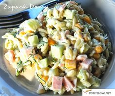 Sałatka z makaronem ryżowym - Pomyslowi.net I Love Food, Good Food, Yummy Food, Cooking Recipes, Healthy Recipes, Side Salad, Summer Salads, Pasta Salad, Salad Recipes