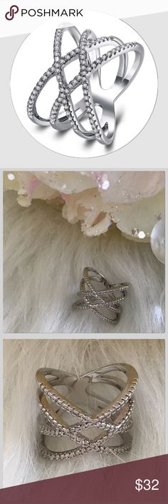💐NWT Chic Silver Double Crisscross Filigree Ring JUST IN! Wow this is a beautiful comfortable ring! These are all the huge trend right now! It sparkles so pretty! Size 7 Boutique Jewelry Rings