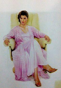 Marathi actress tejaswini pandit marathi actress bold n beautiful lounge in pink thecheapjerseys Images