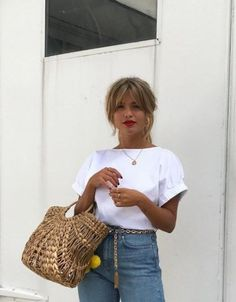 New Hair Color Spring Short Jeans 37 Ideas Look Fashion, Fashion Beauty, Spring Fashion, Jeans Fashion, Fashion Check, Hipster Fashion, White Fashion, Paris Fashion, Indian Fashion