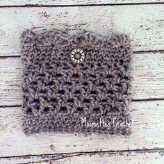 Aran Fleck Gray Boot Cuffs Legwarmers Chunky Calf Warmers Silver Tone Button Crochet Handmade in USA