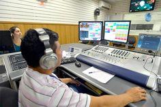 Migração de rádios AM para FM começa em novembro / Existem atualmente no Brasil 1.781 emissoras de rádio AM. Desse total, 1.386 pediram para migrar para a faixa de FM