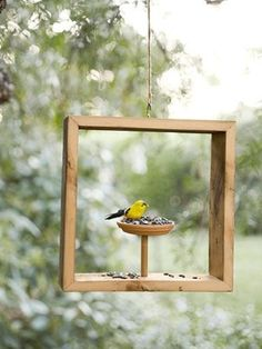 Warm-weather craft projects you can tackle in a flash. Plus, get even more great summer crafts!