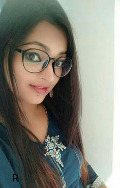 Dpz for girls Beautiful Girl Photo, Beautiful Girl Indian, Beautiful Gorgeous, Stylish Girl Images, Stylish Girl Pic, Desi Girl Selfie, Hot Images Of Actress, Indian Girl Bikini, Teen Girl Poses
