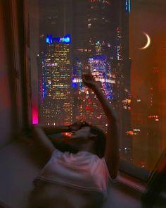 New York Life, Nyc Life, Night Aesthetic, City Aesthetic, Aesthetic Bedroom, Aesthetic Grunge, Poses Photo, City Vibe, Night Vibes
