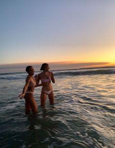 Foto Best Friend, Best Friend Pictures, Best Friends, Friend Pics, Summer Feeling, Summer Vibes, Photos Bff, Shotting Photo, Summer Goals