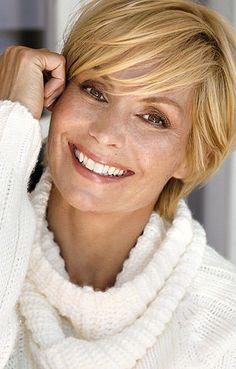 lillid blonde haare grà n e augen greens modelagentur
