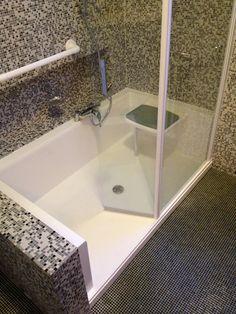 exemple d installation d une douche senior. Black Bedroom Furniture Sets. Home Design Ideas
