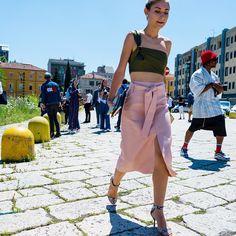 Milan Fashion Week 📷: @walkingcanucks  #mfw #mmfw #milanfashionweek #fashionweek #milan #streetstyle #streetfashion #streetsnap #fashion #menswear #womenswear #ootd #summerfashion #dailylook #toronto #picoftheday #walkingcanucks #토론토 #김작가의패션위크 #데일리룩 #스트릿패션 #밀라노 #패션위크 #밀라노패션위크 #패션피플
