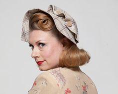 Vintage 1930s Hat - Plaid Fabric Bonnet - Wood Buttons Summer Fashions