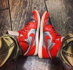 Nike Jordan 1 orange, scarpe mio vintage mi piacciono molto perché comode e alla moda