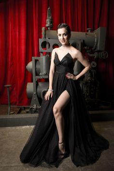 Sophia Abrahão | Apenas 14 fotos dos atores da nova novela da Globo em trajes de gala