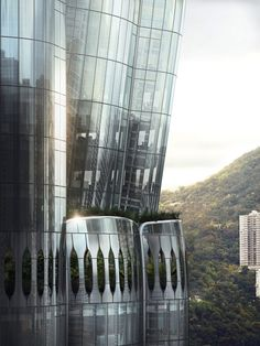 The skyscraper designed by Zaha Hadid Architects will have tree-filled balconies and an enclosed sky garden. Zaha Hadid Design, Garden Architecture, Futuristic Architecture, Architecture Plan, Central Business District, Sky Garden, Glass Facades, Zaha Hadid Architects, Public Garden