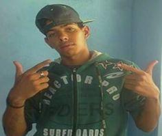 Após roubar moto, jovem pode ter sido espancado http://www.passosmgonline.com/index.php/2014-01-22-23-07-47/policia/5843-apos-roubar-moto-jovem-pode-ter-sido-espancado