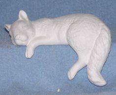 sc2195 - Squirrel (ceramic / bisque) ready to paint