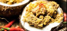 """Rindfleisch Rendang ist eine Art malaysisches Curry-Gulasch. Noch nie gehört? Yasmin alias """"Yasilicious"""" klärt Euch im Anleitungs-Video zum Rezept auf."""