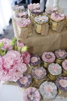 vintage shabby chic party - button cookies in a jar. party favors https://www.facebook.com/esinika.events
