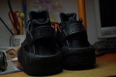 "Nike huarache ""triple black"""