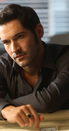 Pictures & Photos of Tom Ellis - IMDb
