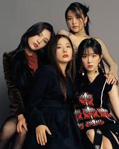 Kpop Girl Groups, Korean Girl Groups, Kpop Girls, Red Velvet Seulgi, Red Velvet Irene, My Girl, Cool Girl, Queens, Velvet Fashion