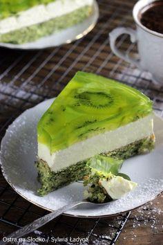 Kiwi Cake, Cake Recipes, Dessert Recipes, Good Food, Yummy Food, Summer Cakes, Food Decoration, How Sweet Eats, Creative Food