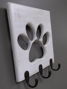 Perchero para la correa, el collar y los vestidos del perro - Dog Leash Holder Paw Pet Wooden Pet Collar Rack Oil Rubbed Bronze Hooks Distressed White