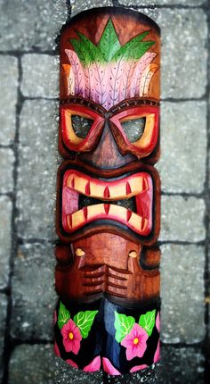 Tiki mask I have this one! Arte Tribal, Tiki Man, Tiki Tiki, Palm Frond Art, Palm Fronds, Tiki Pole, Tiki Faces, Tiki Statues, Tiki Lounge