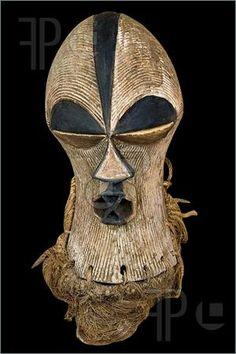 Picture of Handmade antique african mask, Ndebele tribe, Bulawayo, Zimbabwe