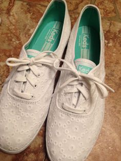 Keds (: I really like these shoes, which surprises me because I don't usually like shoes this color