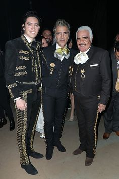 Mexican Men, Mexican Style, Mexican Quinceanera Dresses, Beautiful Men, Beautiful People, Vicente Fernandez, Mexican Outfit, Spanish Art, Legging