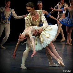 Hugo Marchand et Laura Hecquet, Theme and Variations, Paris Opera Ballet. Photo by Isabelle Aubert