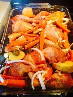 Fabulosa receta para Pollo en Achiote al Horno🐔🐔. Achiote Chicken, Grilled Chicken, Seafood Recipes, Chicken Recipes, Traditional Mexican Food, Deli Food, Chicken Marinades, Dinner Plates, Mexican Food Recipes