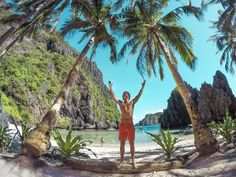 Beautiful Island Hopping in El Nido, Palawan #philippines #palawan #elnido #travel #photo #photography #doyoutravel #wanderlust #wandering #nature #asia #palm #palmtree #gopro