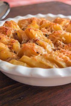 Πατάτες βουτύρου με κρεμμύδια στο φούρνο