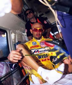 Fotos de Graham Watson. Marco Pantani Cycling Outfit, Cycling Clothing, Hulk, Champs, Sport, Graham, Face Beauty, Sports, Storage