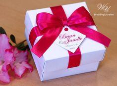 Elegant favor gift box with satin ribbon bow and by WeddingUkraine