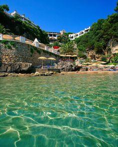 Grand Hotel La Rocce in Gaeta, Italy http://www.actuweek.com/go/amazon-italie.php