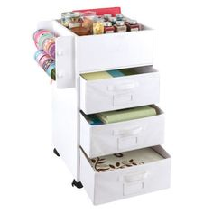Mobile Craft Storage Center - to organize my sewing/craft room, which needs to double as a guest room so organization is key! Scrapbook Organization, Craft Organization, Organizing Ideas, Craft Room Storage, Craft Rooms, Storage Ideas, Storage Cart, Diy Storage, Mobile Craft
