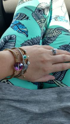 Beautiful LuLaRoe leggings with feathers and a textured Irma tunic!  Shop with me!  www.facebook.com/groups/lularoebybrandiashmorevip