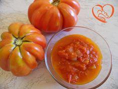 Sugo al pomodoro http://www.cuocaperpassione.it/ricetta/ea391f4c-9f72-6375-b10c-ff0000780917/Sugo_al_pomodoro