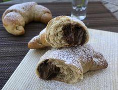 Frühstücksweckerl... - Backen mit Christina ... Food, Desserts, Sweet Bread, Breads, Puff Pastry Recipes, Food Food, Simple Recipes, Tailgate Desserts, Deserts