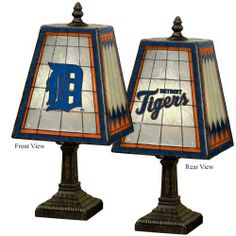 Memory Company NHL Unisex 14in Art Glass Table Lamp