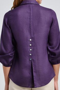 Linen point collar shirt with button details. Linen point collar shirt with button details. Kurti Neck Designs, Blouse Designs, Collar Designs, Collar Shirts, Shirt Blouses, Designs For Dresses, Fashion Sewing, Blouse Patterns, Mode Outfits