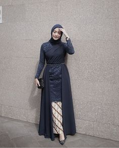 Inspired by - Hijab+ Hijab Gown, Hijab Dress Party, Hijab Style Dress, Casual Hijab Outfit, Dress Outfits, Fashion Outfits, Turban Hijab, Dress Brokat Muslim, Dress Brokat Modern
