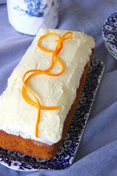 Savory magic cake with roasted peppers and tandoori - Clean Eating Snacks Cheap Clean Eating, Clean Eating Snacks, Sweet Recipes, Cake Recipes, Cold Cake, Salty Cake, Savoury Cake, Mini Cakes, Love Food