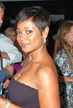 Tamala Jones - Short Hair Style - Black Celebrity Hair Styles
