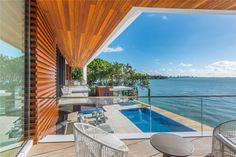Magnificent Modern Miami Mansion With Ocean Panorama Infinity Pools, Bel Air Mansion, Modern Miami, Futuristisches Design, Miami Houses, Glass Balustrade, Villa, Beach House Decor, Modern Contemporary