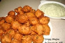 Crispy Daal Bhajias (from Fauzias Kitchen Fun, Brian & Hellen said everything they've made from her is fantastic! Indian Snacks, Indian Food Recipes, Asian Recipes, Ethnic Recipes, Kenyan Recipes, Indian Appetizers, Savory Snacks, Healthy Snacks, Vegetarian Snacks